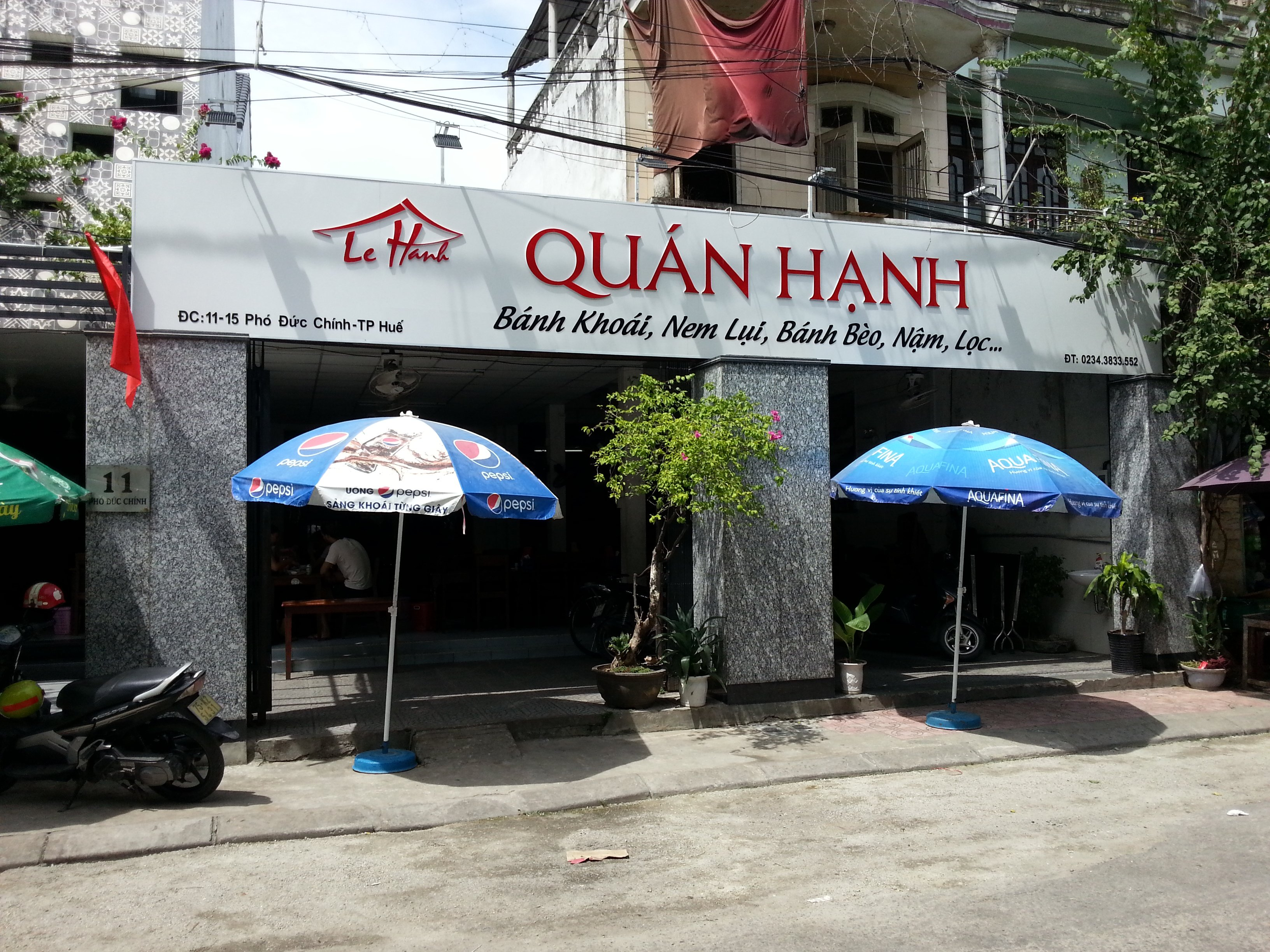 Front of Quan Hanh restaurant in Hue