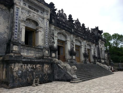 Thien Dinh Palace