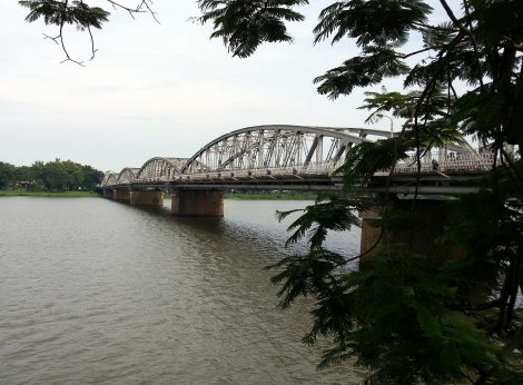 Truong Tien Bridge