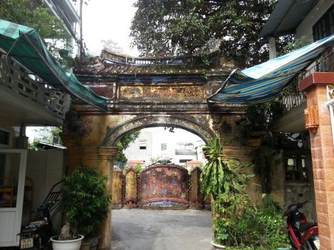 Archway off Bach Dang Street