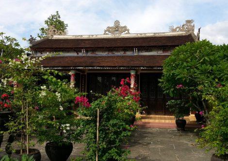 Dieu De Pagoda on Bach Dang Street