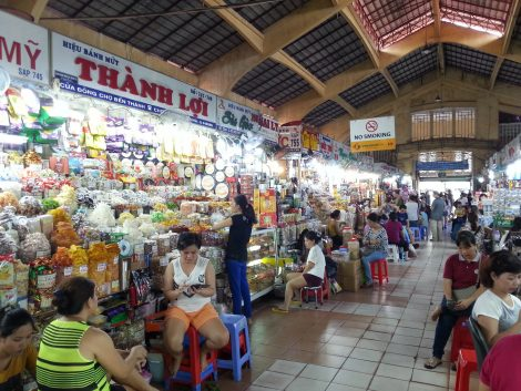 Dried food stalls at Ben Thanh Market
