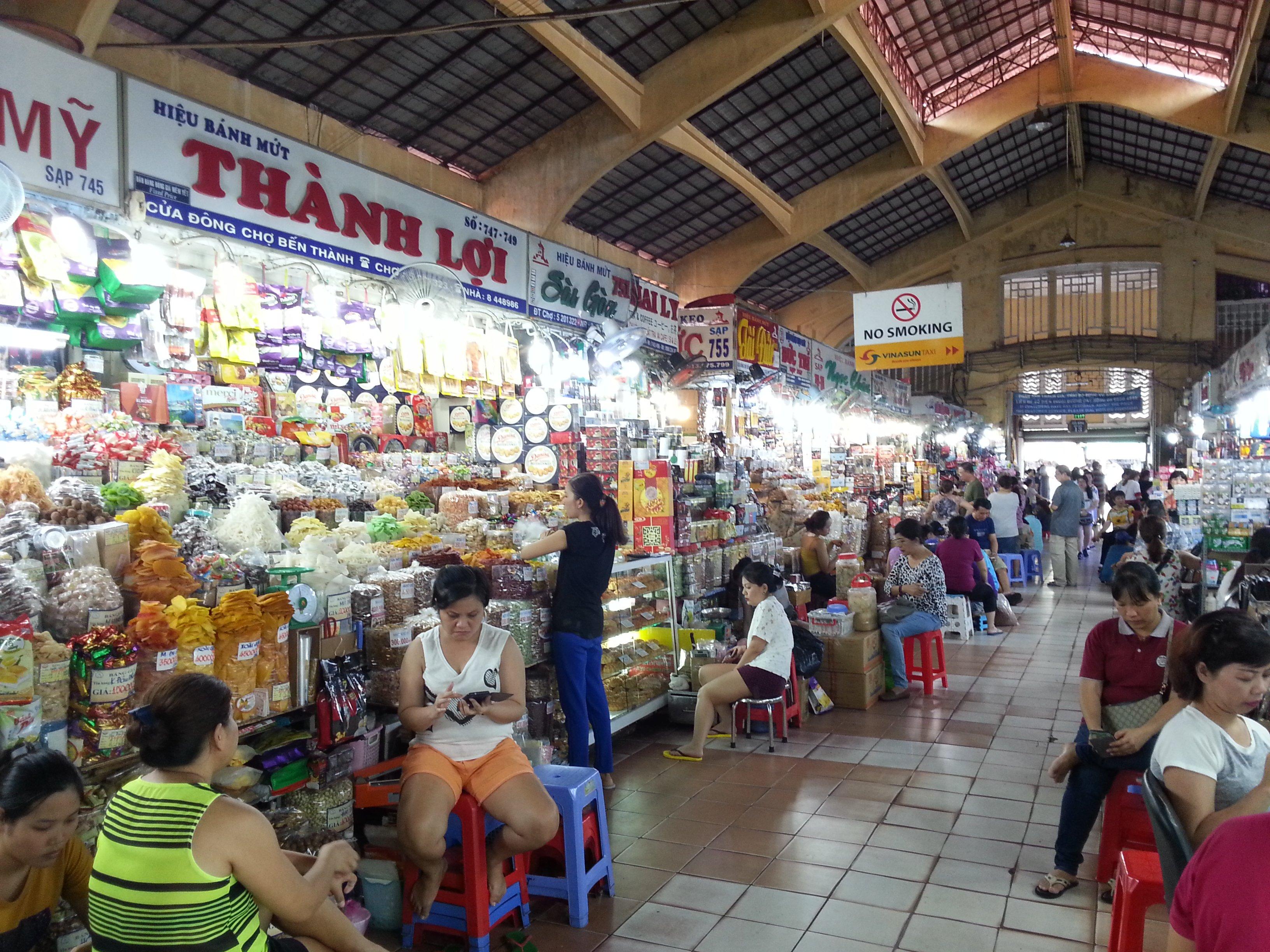 Dried food stalls at Ben Thanh Market