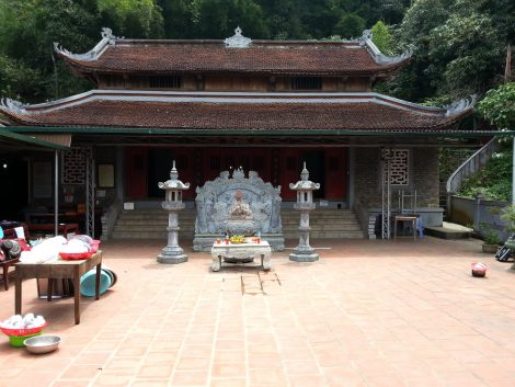 Pagoda at Mau Son Temple