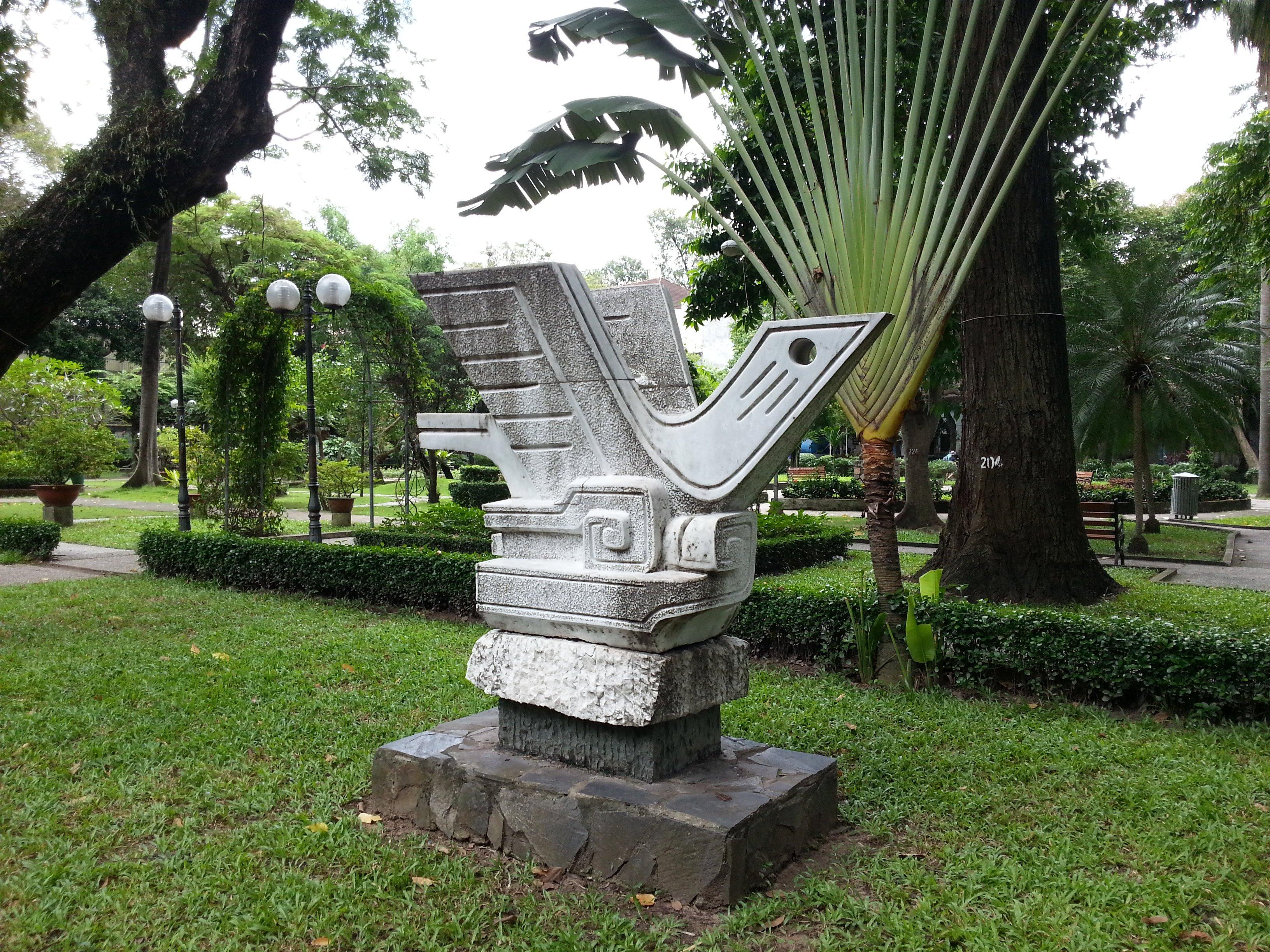 Sculpture in Tao Dan Park