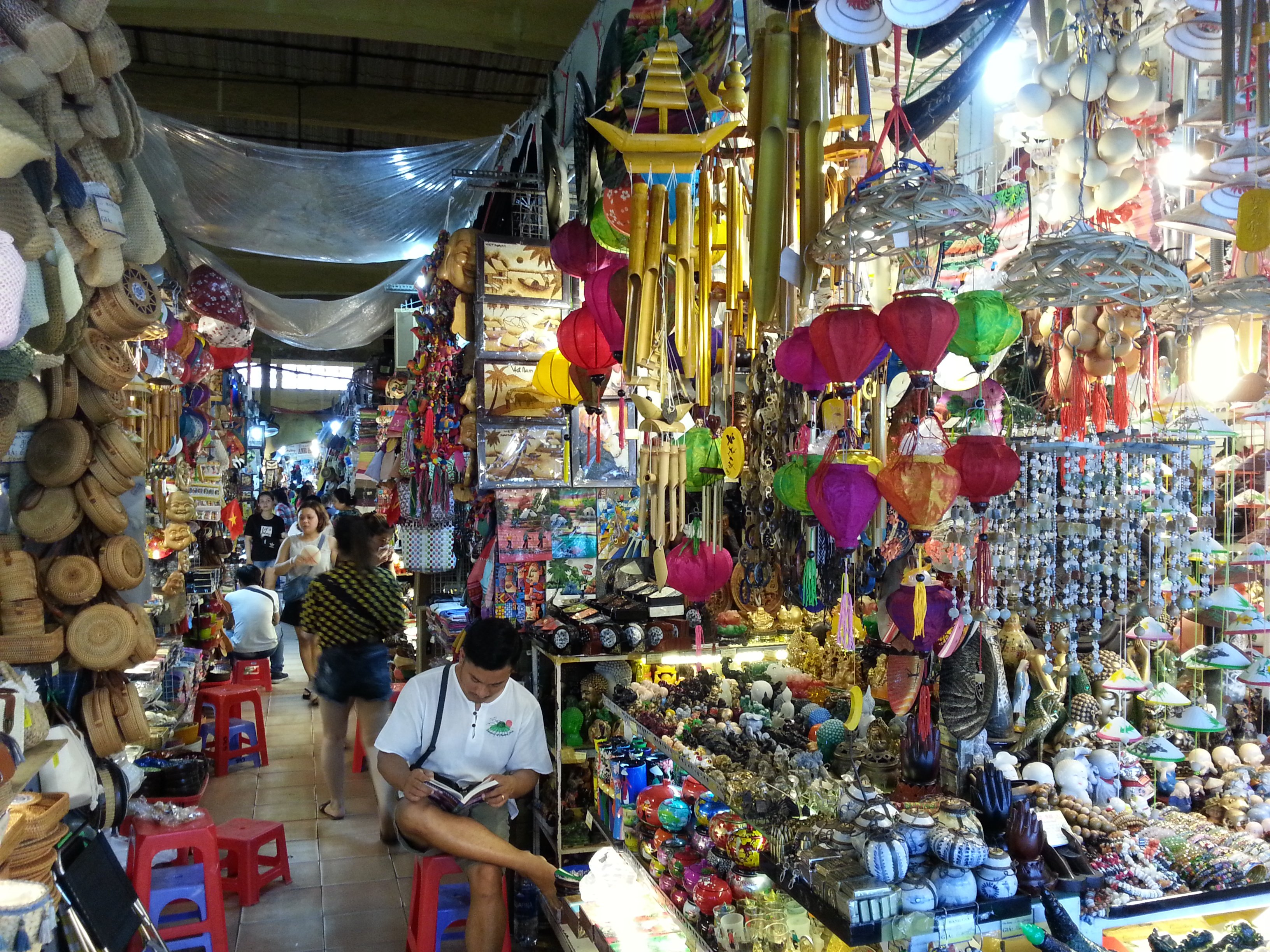 Wind chime stall at Ben Thanh Market