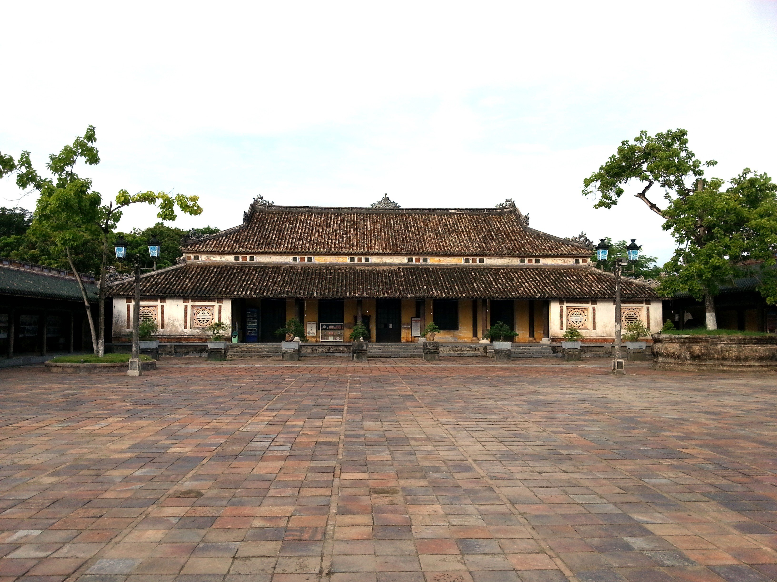 Can Chanh courtyard at the Imperial Citadel
