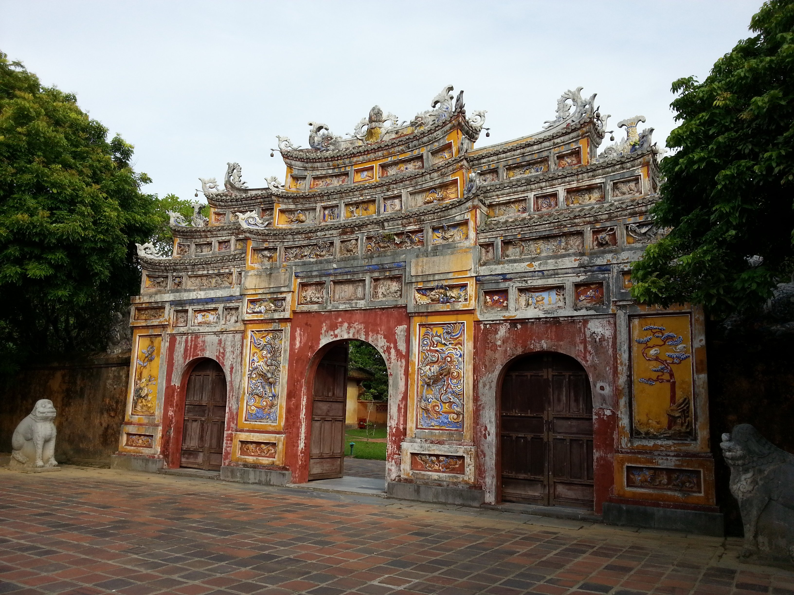 Cua Tho Chi Gate at the Imperial Citadel