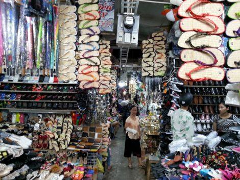 Shoes at Dong Ba Market