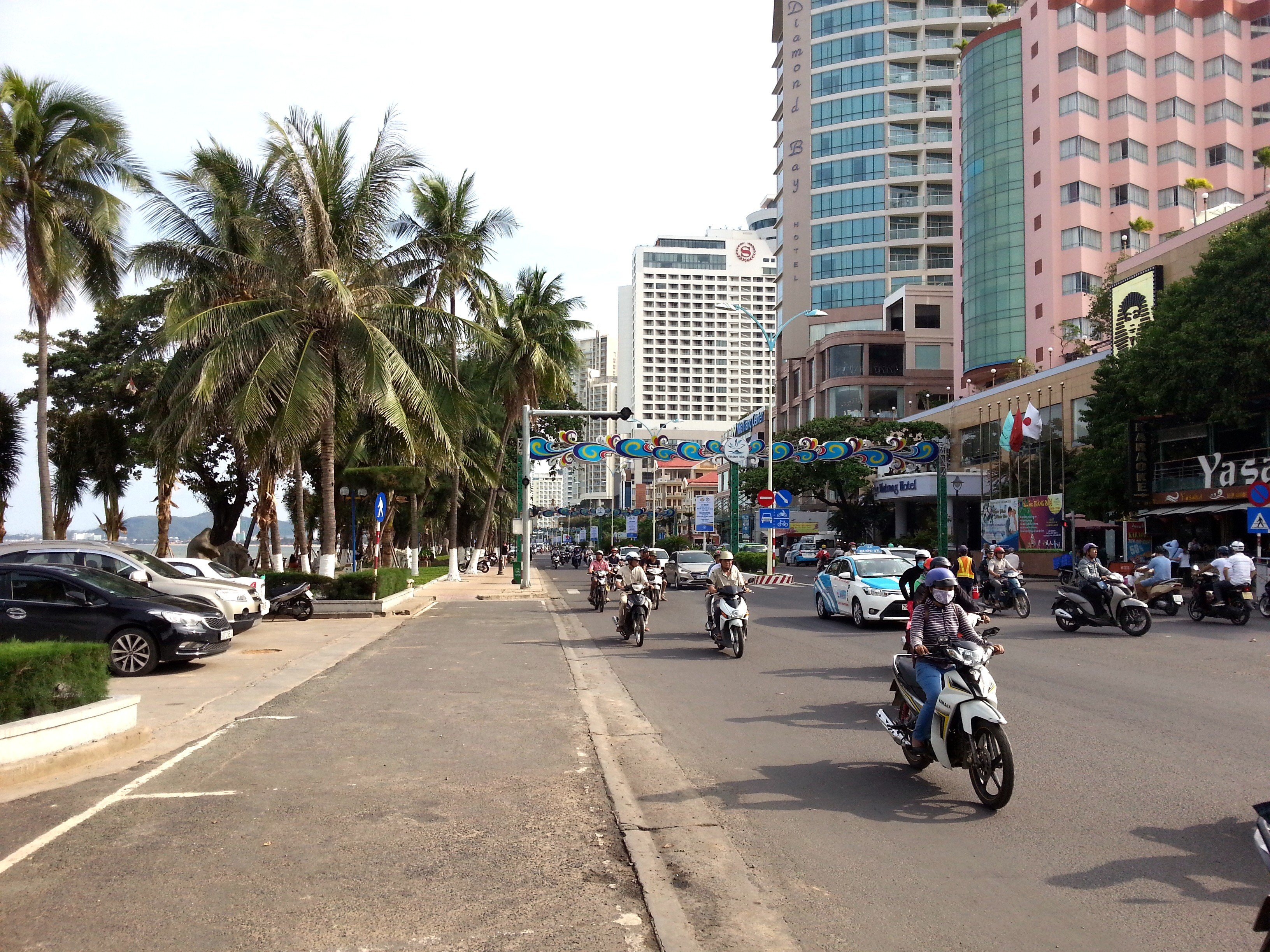 The busy Tran Phu Road