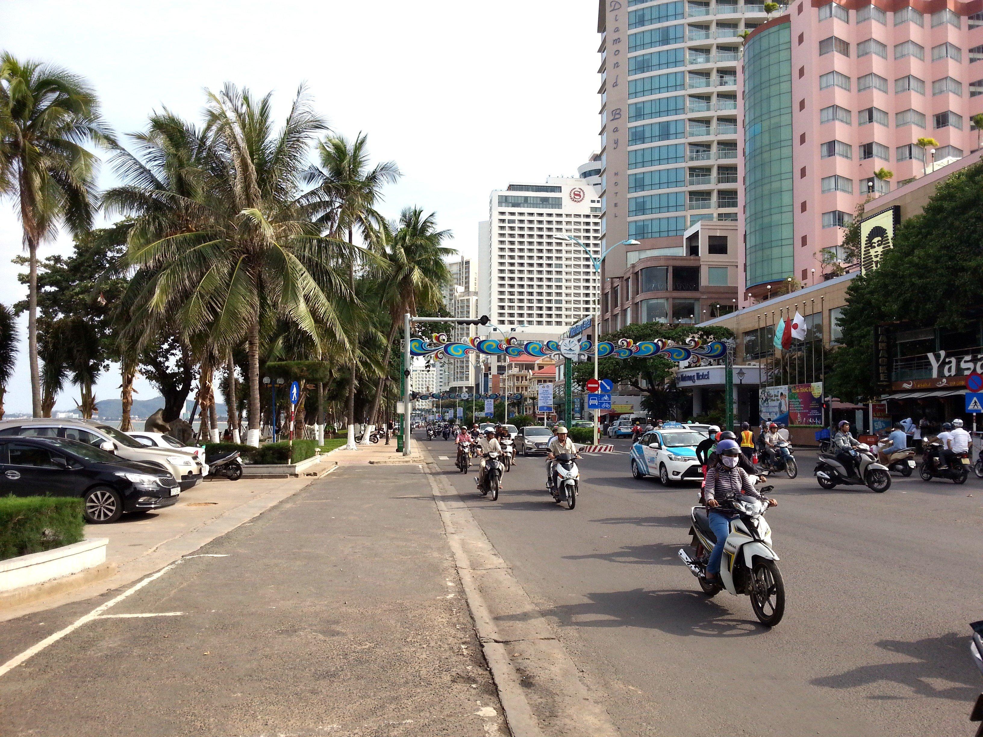 The busy Tran Phu Road