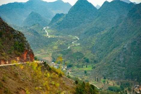 Mountain pass in Ha Giang Province